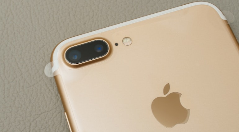 iPhone 7 dual lens camera