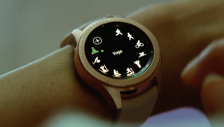 Samsung Galaxy Watch 2018 - yoga close up