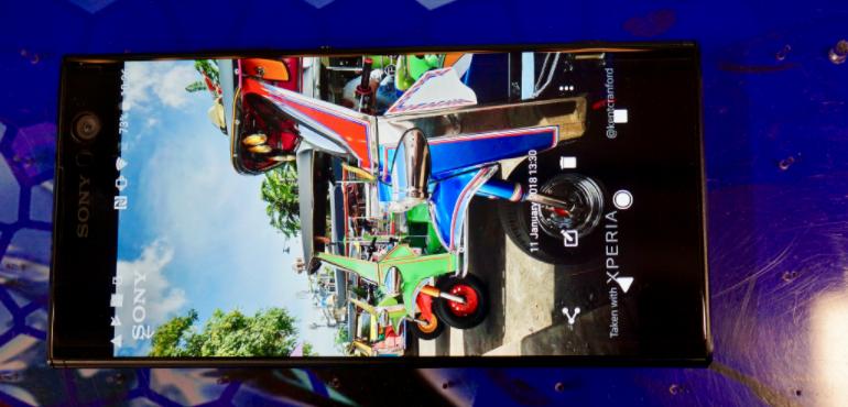 Sony Xperia XA2 bikes screen hero size
