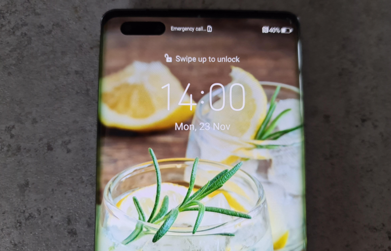 Huawei Mate 40 lockscreen closeup
