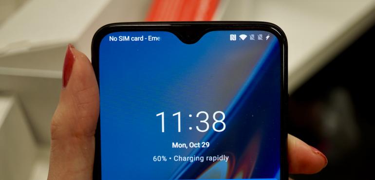 OnePlus 6T dash charging hero size
