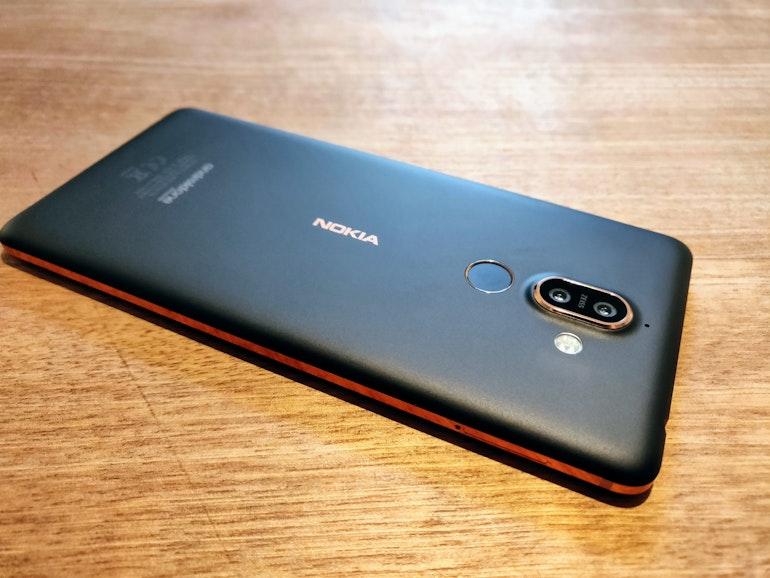 Nokia 7 rear