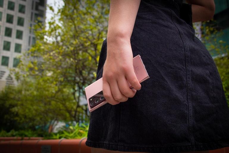 Samsung Galaxy Note 20 Ultra in hand