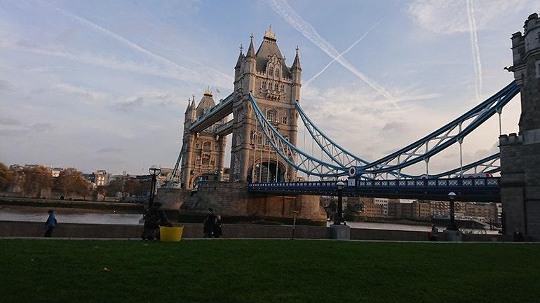 Sony-Xperia-XZ1-camera-sample-Tower-Bridge-in-the-morning