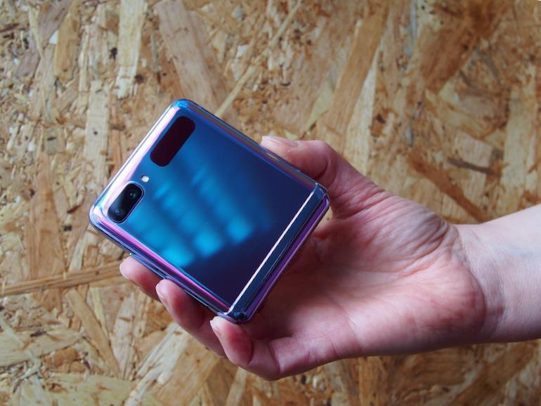 Samsung Galaxy Z Flip hand