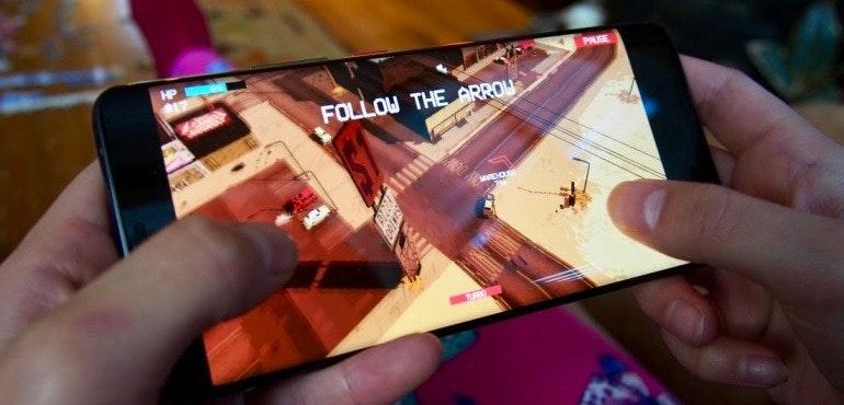 Huawei Mate 20 Pro gaming hero size