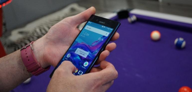 Sony Xperia XZ Premium home screen in use