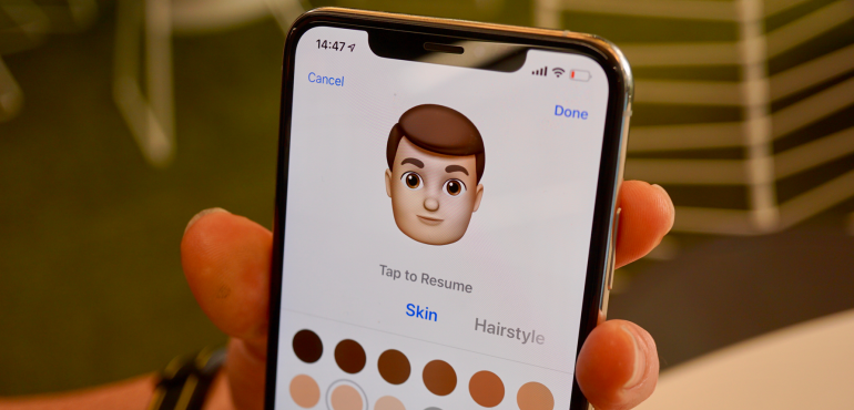 iPhone XS Max memoji hero size