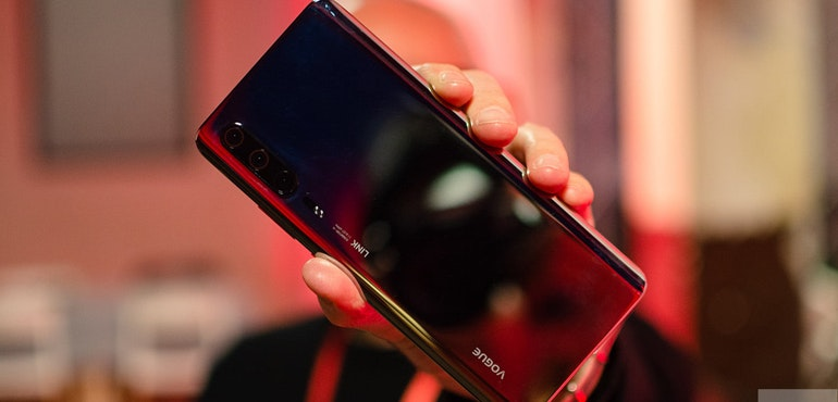 Huawei P30 Pro leak shows 3 rear cameras, lots of fingerprints