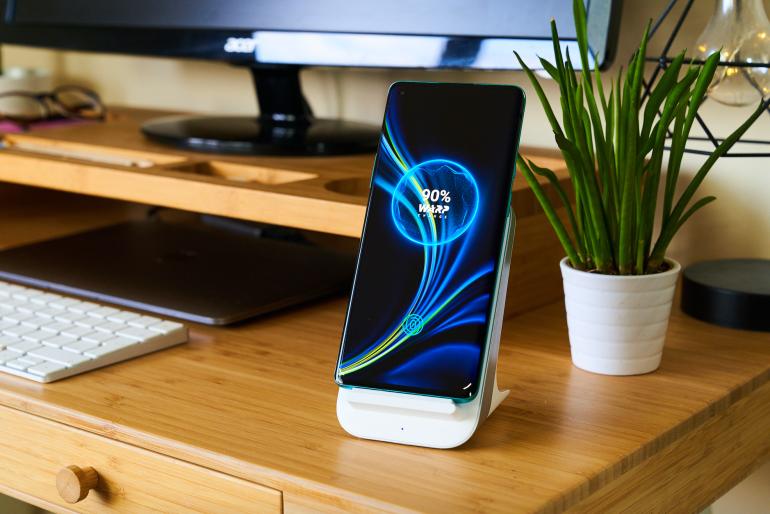 OnePlus 8 Pro charging
